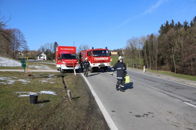 Autolenker bei Unfall in Waldneukirchen beinahe von Zaunpfahl aufgespießt   Foto: laumat.at/Matthias Lauber