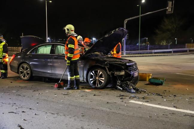 Drei Verletzte bei Verkehrsunfällen auf der Pyhrnpass Straße in Thalheim bei Wels | Foto: laumat.at/Matthias Lauber
