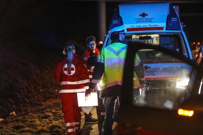 Auto kracht auf Pyhrnautobahn in Wartberg an der Krems gegen Leitschiene | Foto: laumat.at/Matthias Lauber