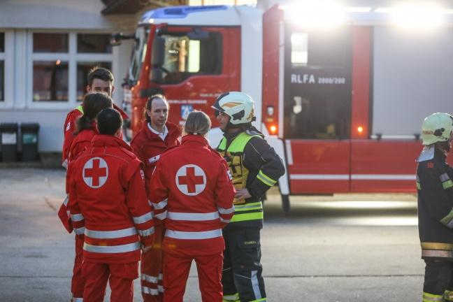 Chlorgasaustritt im Hallenbad in Molln sorgt für Gefahrstoffeinsatz der Feuerwehr | Foto: laumat.at/Matthias Lauber