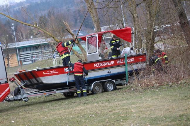 Ölteppich auf der Donau beschäftigt die Feuerwehren | Foto: laumat.at/Matthias Lauber