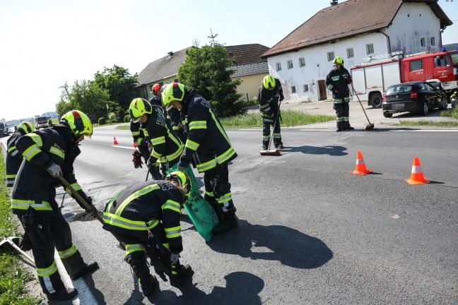 Auffahrunfall auf Wiener Straße in Edt bei Lambach endet glimpflich | Foto: laumat.at/Matthias Lauber