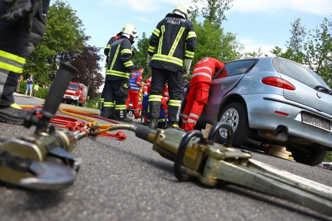 Vielfältige Einsatzübung forderte Einsatzkräfte in Vorchdorf   Foto: laumat.at/Matthias Lauber