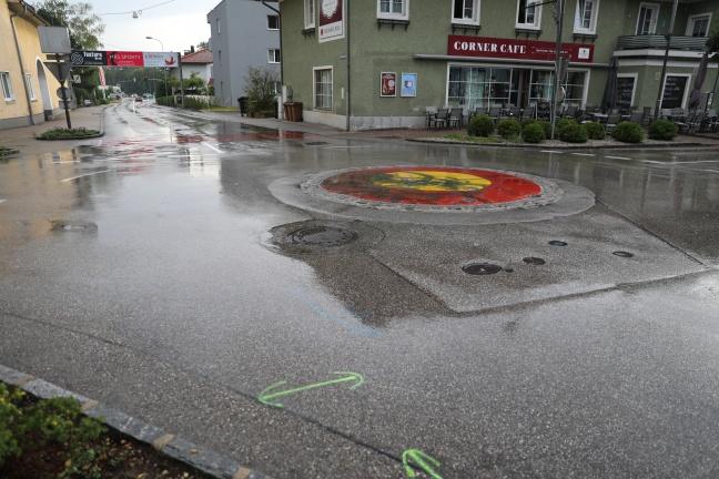 Mopedlenker bei Verkehrsunfall in Marchtrenk schwer verletzt | Foto: laumat.at/Matthias Lauber
