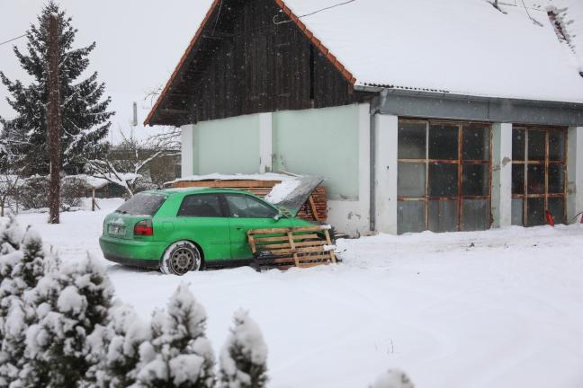 Gemeldeter Scheunenbrand in Leonding stellte sich als PKW-Brand heraus | Foto: laumat.at/Matthias Lauber