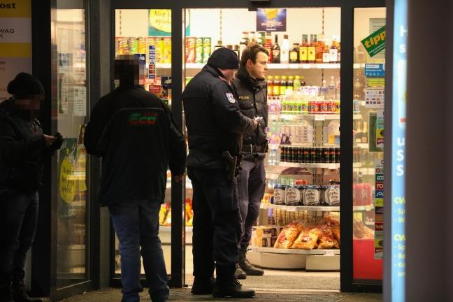 Räuber unmittelbar nach Überfall auf Tankstelle in Wels-Pernau festgenommen | Foto: laumat.at/Matthias Lauber