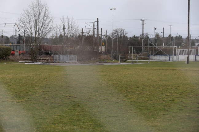 Unbekannte Täter legten Fußballtor auf Schienen des Verschiebebahnhofs in Wels-Neustadt | Foto: laumat.at/Matthias Lauber