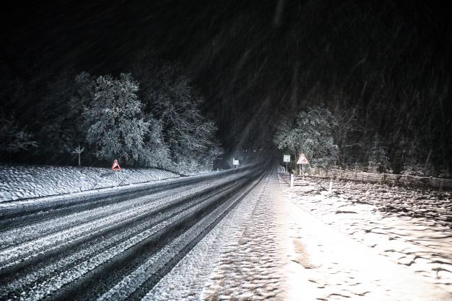 Starker Schneefall sorgte in Teilen Oberösterreichs für Verkehrsbehinderungen | Foto: laumat.at/Matthias Lauber