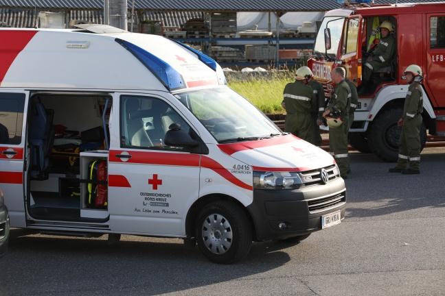 Autolenkerin stirbt bei Kollision mit Lokalbahn auf Bahnübergang in Peuerbach | Foto: laumat.at/Matthias Lauber