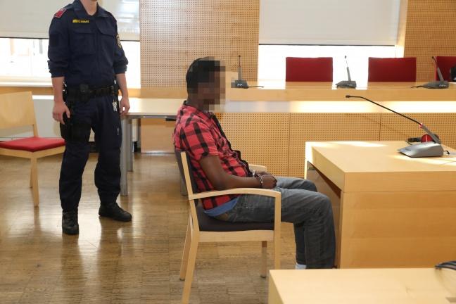 Somalier wegen Mordversuchs und Wiederbetätigung vor Gericht