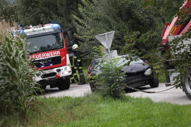 Verkehrsunfall auf der Scharnsteiner Straße in Pettenbach fordert eine verletzte Person | Foto: laumat.at/Matthias Lauber
