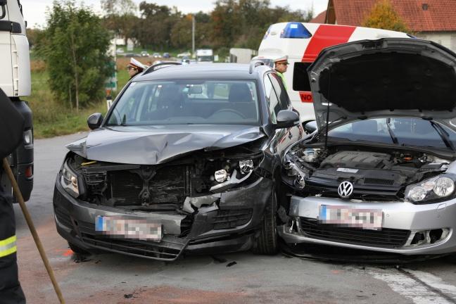 Kreuzungscrash auf der Innviertler Straße in Wallern an der Trattnach endet mit zwei Verletzten | Foto: laumat.at/Matthias Lauber