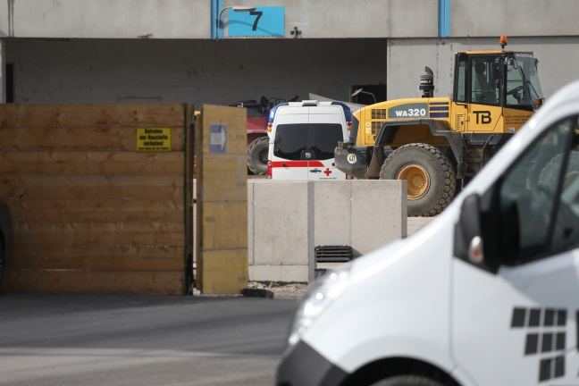 Schwerer Arbeitsunfall auf Baustelle in Gunskirchen | Foto: laumat.at/Matthias Lauber
