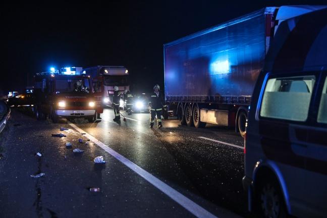 Schwerer Verkehrsunfall auf der Pyhrnautobahn bei Sattledt | Foto: laumat.at/Matthias Lauber