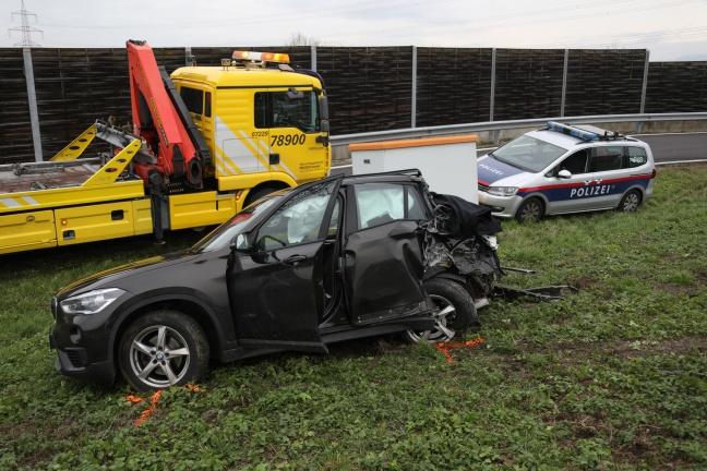 Tödlicher Verkehrsunfall zwischen LKW und PKW auf der Westautobahn bei Linz | Foto: laumat.at/Matthias Lauber