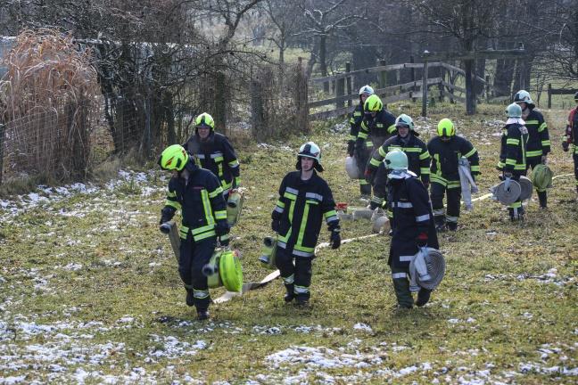 Zwölf Feuerwehren bei Brand eines Wohnhauses in Wallern an der Trattnach im Einsatz | Foto: laumat.at/Matthias Lauber