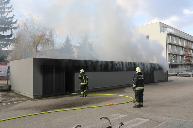 Neuerlicher Brand im Müllraum der Bahnhof City Wels in Wels-Innenstadt | Foto: laumat.at/Matthias Lauber