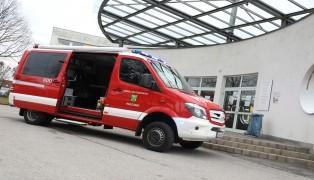 Undichte Gaskartusche sorgt für Einsatz der Feuerwehr in einer Schule in Pasching