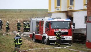Brand im Hackschnitzellager eines landwirtschaftlichen Objekts in Kallham