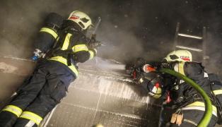 Nächtlicher Brand eines Müllraumes in Wels-Innenstadt