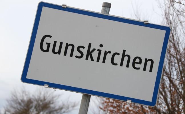 Mehrere Kilometer Stau nach Auffahrunfall im Berufsverkehr bei Gunskirchen