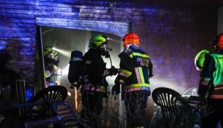 Drei Feuerwehren bei Brand in einem Wohnhaus in Hörsching im Einsatz