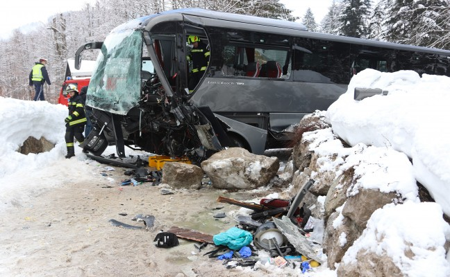 schwerer busunfall heute