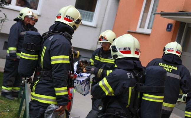 Brand eines Mistkübels in einer Küche eines Mehrparteienwohnhauses in Wels-Neustadt