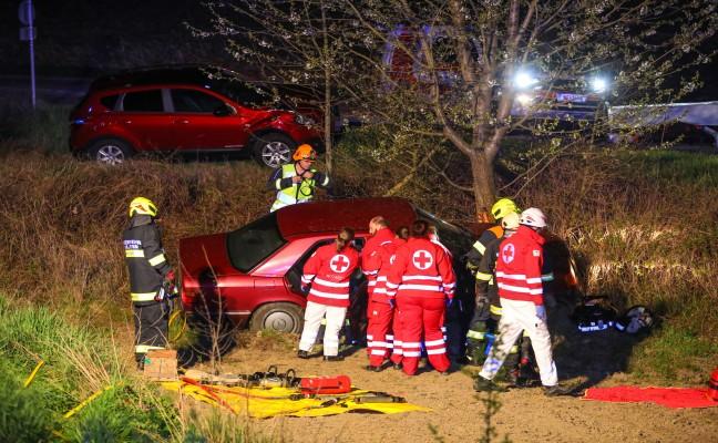 Schwerer Crash auf Innviertler Straße bei Krenglbach fordert zwei Verletzte