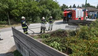 Brand einer Grünschnittsammelstelle in Wels-Vogelweide