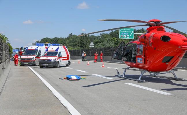 Drei teils Schwerverletzte bei schwerem Verkehrsunfall auf Westautobahn in Sattledt