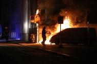 Fahrzeug und M�llcontainer bei Brand in Wels-Neustadt schwer besch�digt | Fotograf: Matthias Lauber