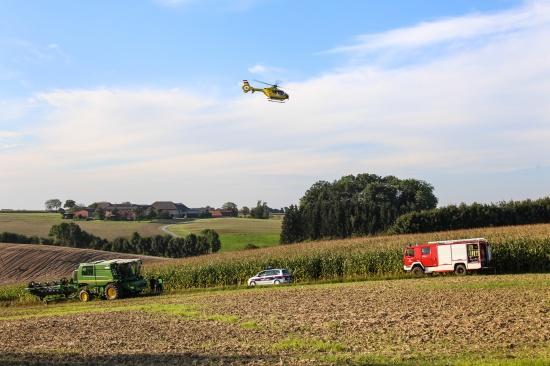Mopedlenker bei Crash mit M�hdrescher in Steinhaus bei Wels schwer verletzt | Fotograf: Matthias Lauber