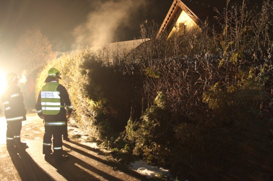 Thujenhecke in Marchtrenk in Brand gesteckt
