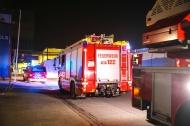 Einsatz der Feuerwehr durch Defekt an einer Deckenbeleuchtung in der Rotax-Halle | Fotograf: Matthias Lauber