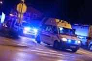 Nach internem Notfall mit Fahrzeug in eine Baustelle in Wels-Vogelweide gekracht | Fotograf: Matthias Lauber