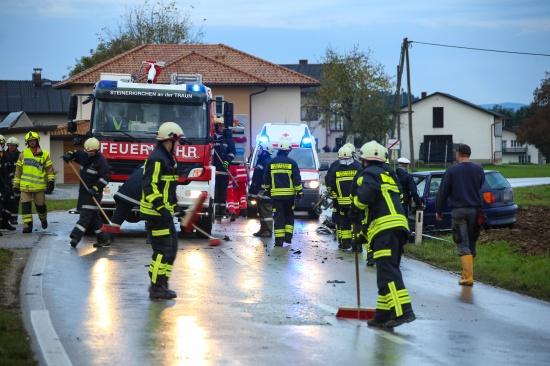 Schwerer Verkehrsunfall in Steinerkirchen an der Traun fordert zwei Verletzte | Fotograf: Matthias Lauber
