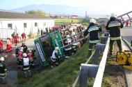 Gro�e �bung der Einsatzkr�fte von Feuerwehr und Rotem Kreuz in Pettenbach   Fotograf: Matthias Lauber