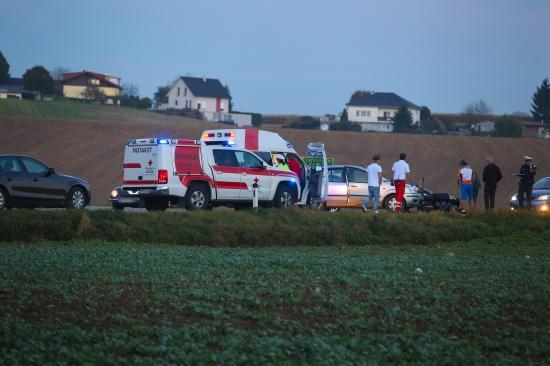 Schwerer Verkehrsunfall mit Motorrad auf der Pettenbacher Stra�e in Vorchdorf   Fotograf: Matthias Lauber