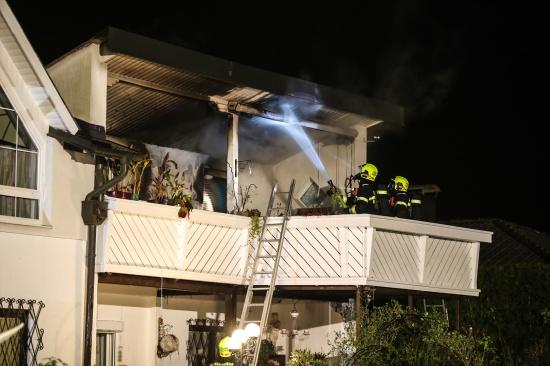Brand am Balkon eines Wohnhauses in Marchtrenk rasch gel�scht   Fotograf: Matthias Lauber