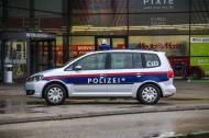 R�uberischer Diebstahl in einem Elektrofachmarkt in Wels | Fotograf: Matthias Lauber