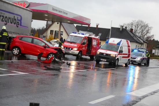Verkehrsunfall auf der Pyhrnpass Stra�e in Steinhaus bei Wels | Fotograf: Matthias Lauber
