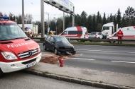 Schwerer Verkehrsunfall auf der Wiener Stra�e zwischen Pasching und Traun | Fotograf: Matthias Lauber