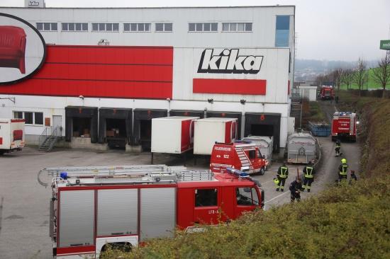M�belhaus in Ansfelden nach Brand eines Verteilers evakuiert | Fotograf: Matthias Lauber