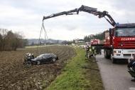 Fahrzeug�berschlag bei Verkehrsunfall in St. Marienkirchen an der Polsenz | Fotograf: Matthias Lauber