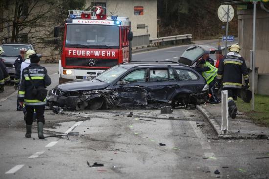 Schwerer Crash auf der Scharnsteiner Stra�e in Pettenbach | Fotograf: Matthias Lauber