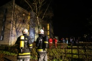 Feuerwehr bei Wohnungsbrand in Wels-Vogelweide im Einsatz | Fotograf: Matthias Lauber