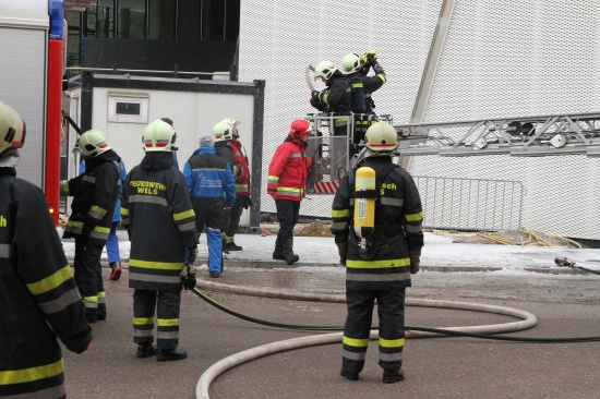 Brand an der Fassade des Science Center Welios