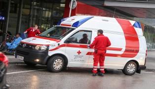 Rettungseinsatz bei Polizeieinsatz und Personenkontrolle am Welser Bahnhof
