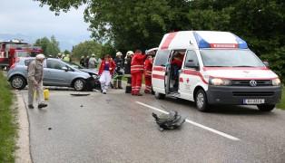 Schwerer Verkehrsunfall in Pettenbach fordert vier Verletzte